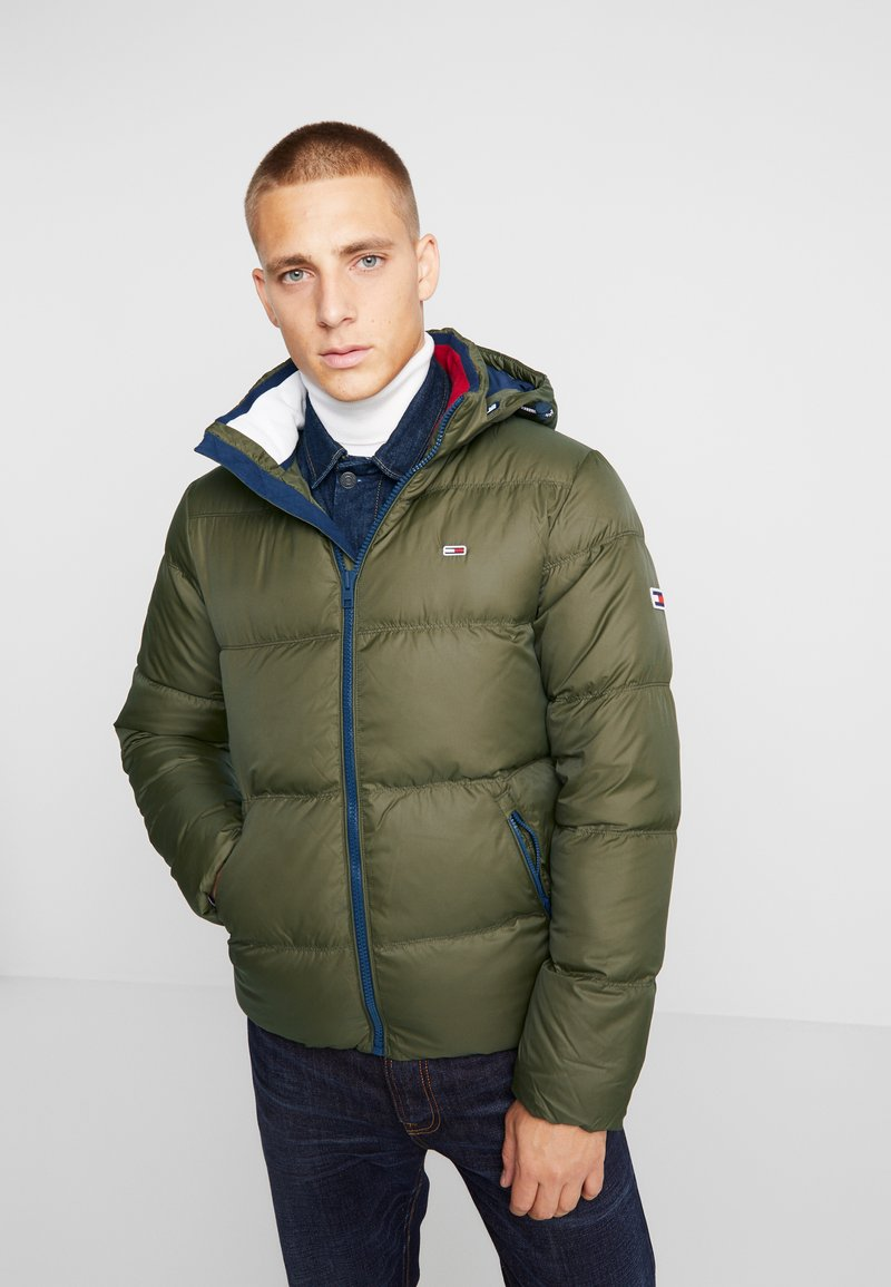 Tommy Jeans - ESSENTIAL JACKET - Down jacket - forest night