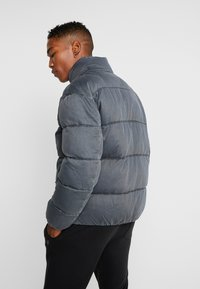 Tommy Jeans - WASHED PADDED JACKET - Winterjas - tommy black - 2