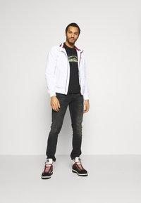 Tommy Jeans - ESSENTIAL JACKET - Veste légère - white - 1