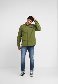 Tommy Jeans - PADDED COLLAR - Lehká bunda - cypress - 1