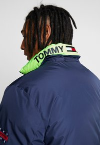 Tommy Jeans - REVERSIBLE JACKET - Giacca invernale - black iris - 5