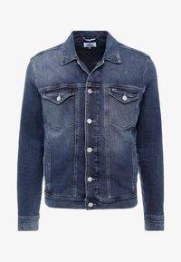 Tommy Jeans - REGULAR TRUCKER JACKET - Kurtka jeansowa - dark-blue denim - 4