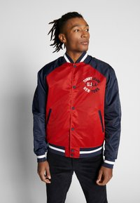 Tommy Jeans - REVERSIBLE JACKET - Bomberjacks - beige/red - 3