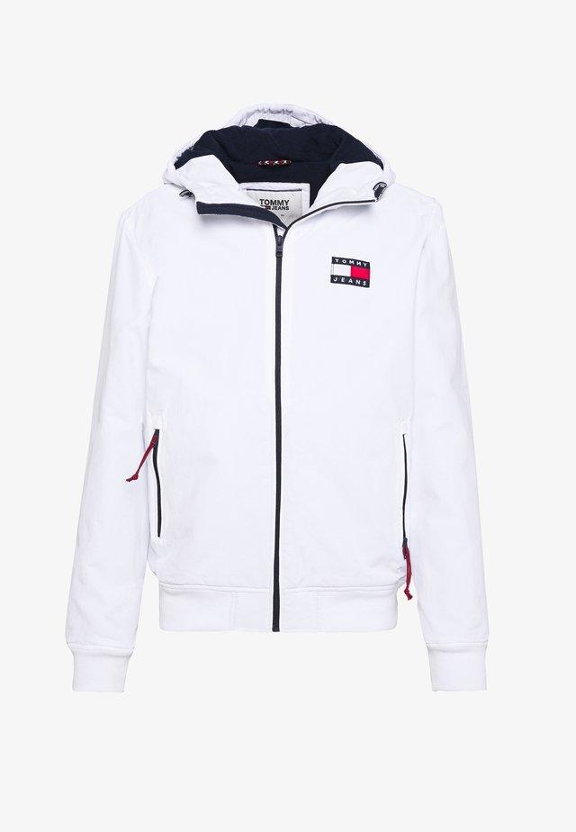 PADDED JACKET - Overgangsjakker - white