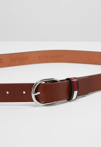 Tommy Jeans - FLAG INLAY BELT - Riem - brown - 4