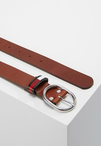 Tommy Jeans - FLAG INLAY BELT - Riem - brown - 2