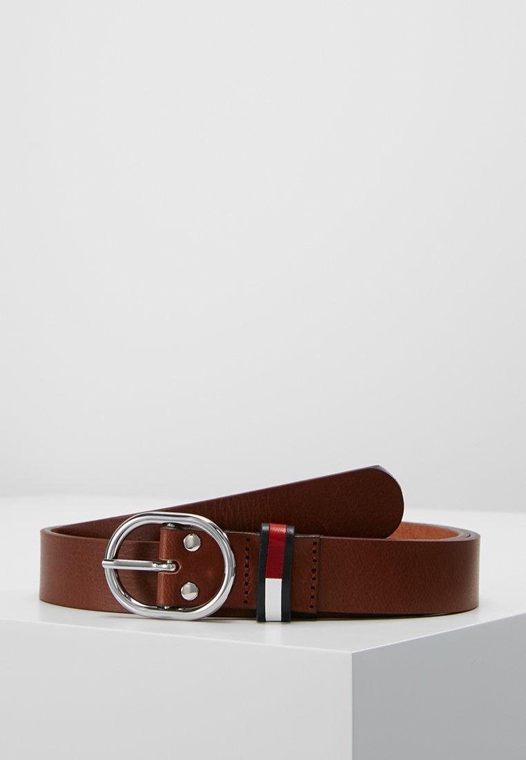 Tommy Jeans - FLAG INLAY BELT - Belt - brown