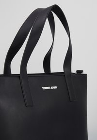 Tommy Jeans - FEMME TOTE - Shopping Bag - black - 6