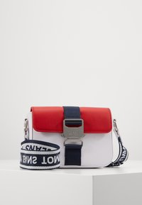 Tommy Jeans - FEMME CROSSOVER - Across body bag - white - 0