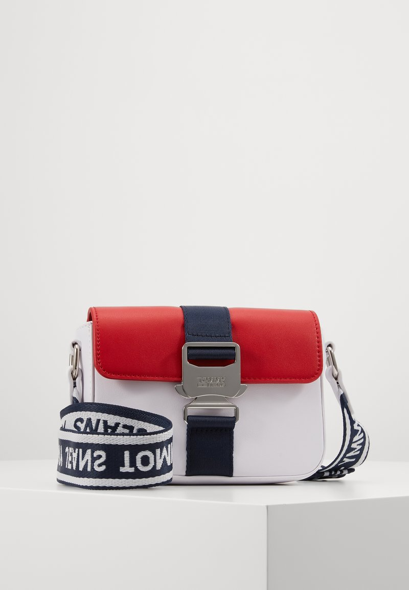 Tommy Jeans - FEMME CROSSOVER - Across body bag - white