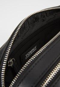 Tommy Jeans - FEMME CROSSOVER - Across body bag - black - 5