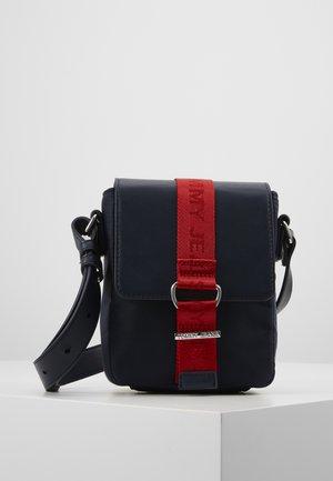 MODERN TWIST CROSSOVER - Taška spříčným popruhem - blue