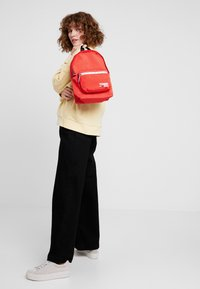 Tommy Jeans - COOL CITY MINI BACKPACK - Rugzak - red - 1