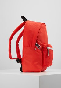 Tommy Jeans - COOL CITY MINI BACKPACK - Rugzak - red - 3
