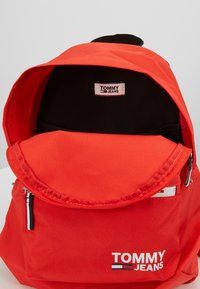 Tommy Jeans - COOL CITY MINI BACKPACK - Rugzak - red - 4