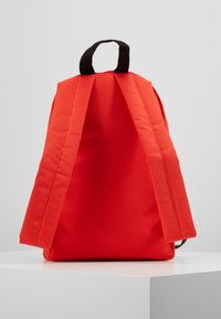 Tommy Jeans - COOL CITY MINI BACKPACK - Rugzak - red - 2