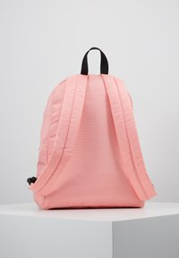 Tommy Jeans - COOL CITY BACKPACK - Rucksack - pink - 2
