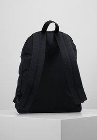 Tommy Jeans - COOL CITY BACKPACK - Rugzak - black - 2