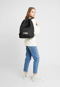 Tommy Jeans - COOL CITY BACKPACK - Rugzak - black - 1