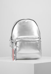 Tommy Jeans - LOGO TAPE BACKPACK - Mochila - silver - 0