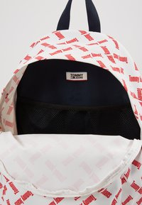 Tommy Jeans - COOL CITY  BACKPACK  - Batoh - whte - 4
