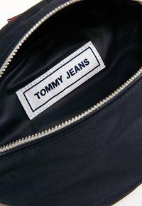 Tommy Jeans - LOGO BUMBAG - Ledvinka - blue - 6