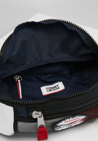 Tommy Jeans - HERITAGE BUMBAG CORP - Bum bag - blue - 4