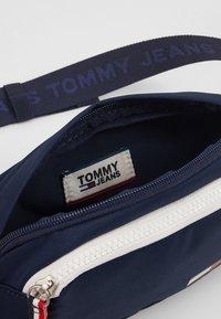 Tommy Jeans - COOL CITY BUMBAG - Saszetka nerka - blue - 4