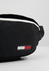Tommy Jeans - COOL CITY BUMBAG - Bum bag - black - 2