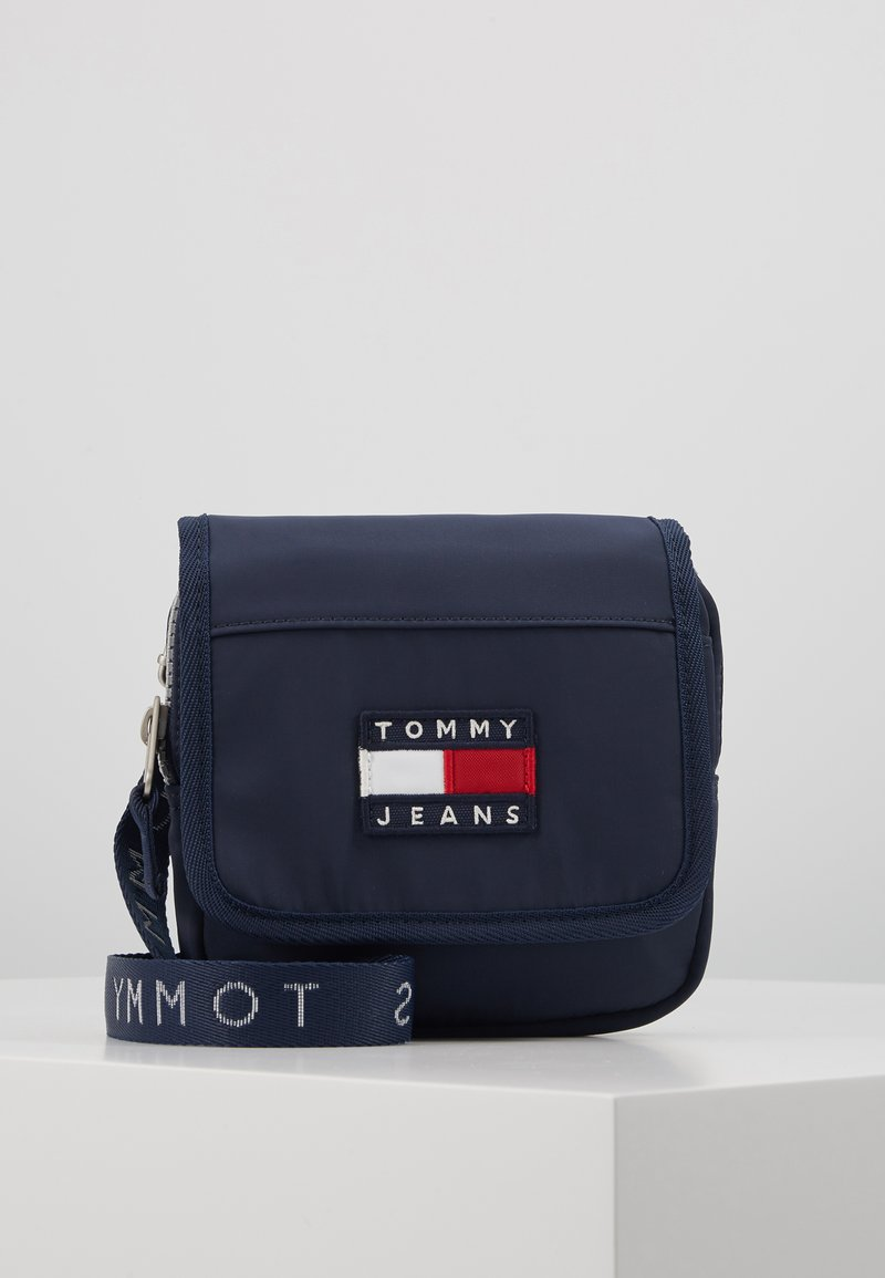 Tommy Jeans - HERITAGE FLAP CROSSOVER - Sac bandoulière - blue