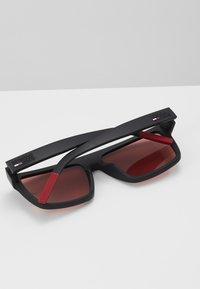 Tommy Jeans - Sluneční brýle - matte black - 2
