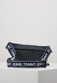 Tommy Jeans - LOGO TAPE RIPSTOP BUMBAG - Ledvinka - blue - 3