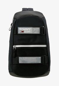 Tommy Jeans - URBAN SLING BAG - Skulderveske - black - 7