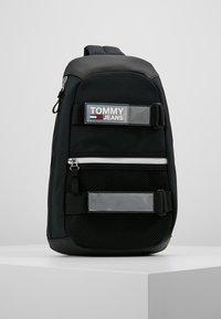 Tommy Jeans - URBAN SLING BAG - Skulderveske - black - 0