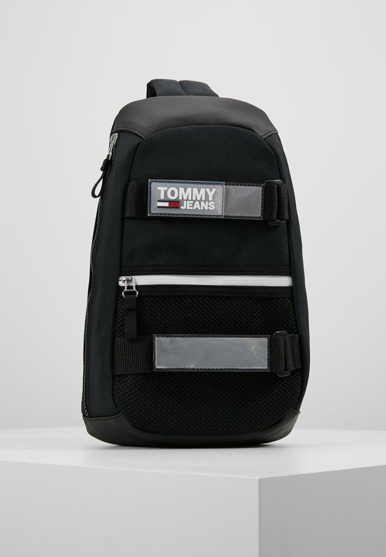 Tommy Jeans - URBAN SLING BAG - Skulderveske - black