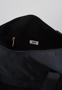 Tommy Jeans - COOL CITY DUFFLE - Sportstasker - black - 4
