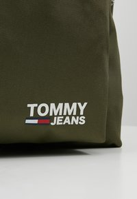 Tommy Jeans - COOL CITY BACKPACK - Zaino - green - 7