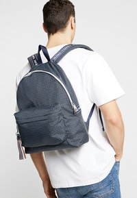 Tommy Jeans - LOGO TAPE RIPSTOP BACKPACK - Rucksack - blue - 1