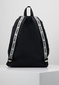 Tommy Jeans - LOGO TAPE BACKPACK - Rucksack - black - 2