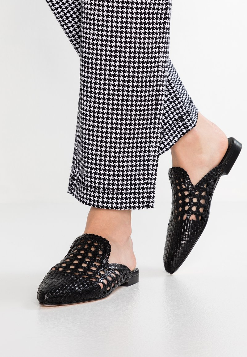 Toral - Pantofle - black