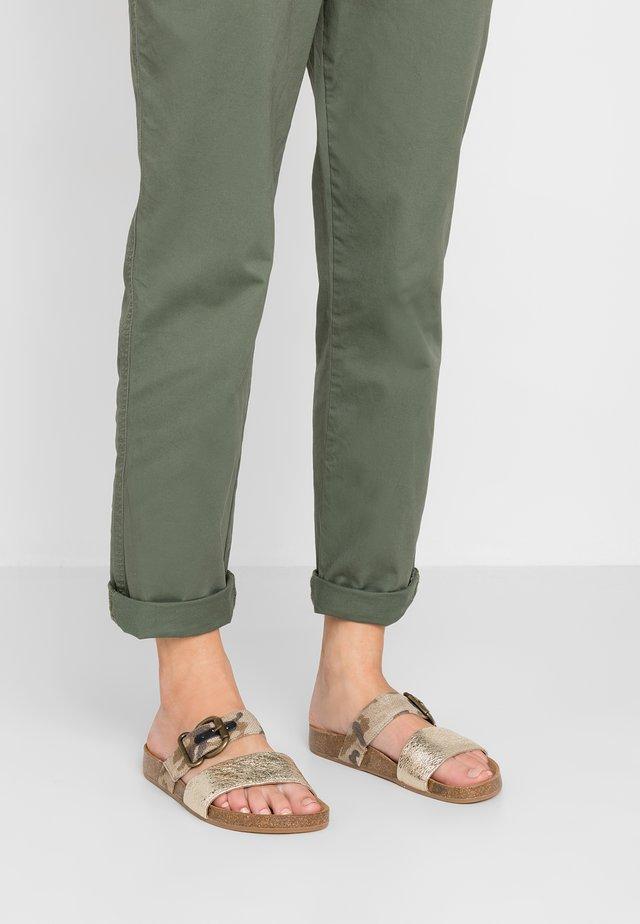 Pantolette flach - menorca