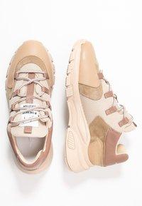 Toral - Sneaker low - old rose - 3