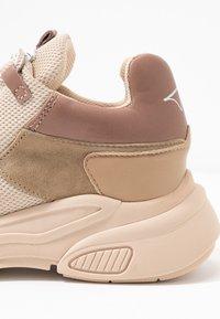 Toral - Sneaker low - old rose - 2
