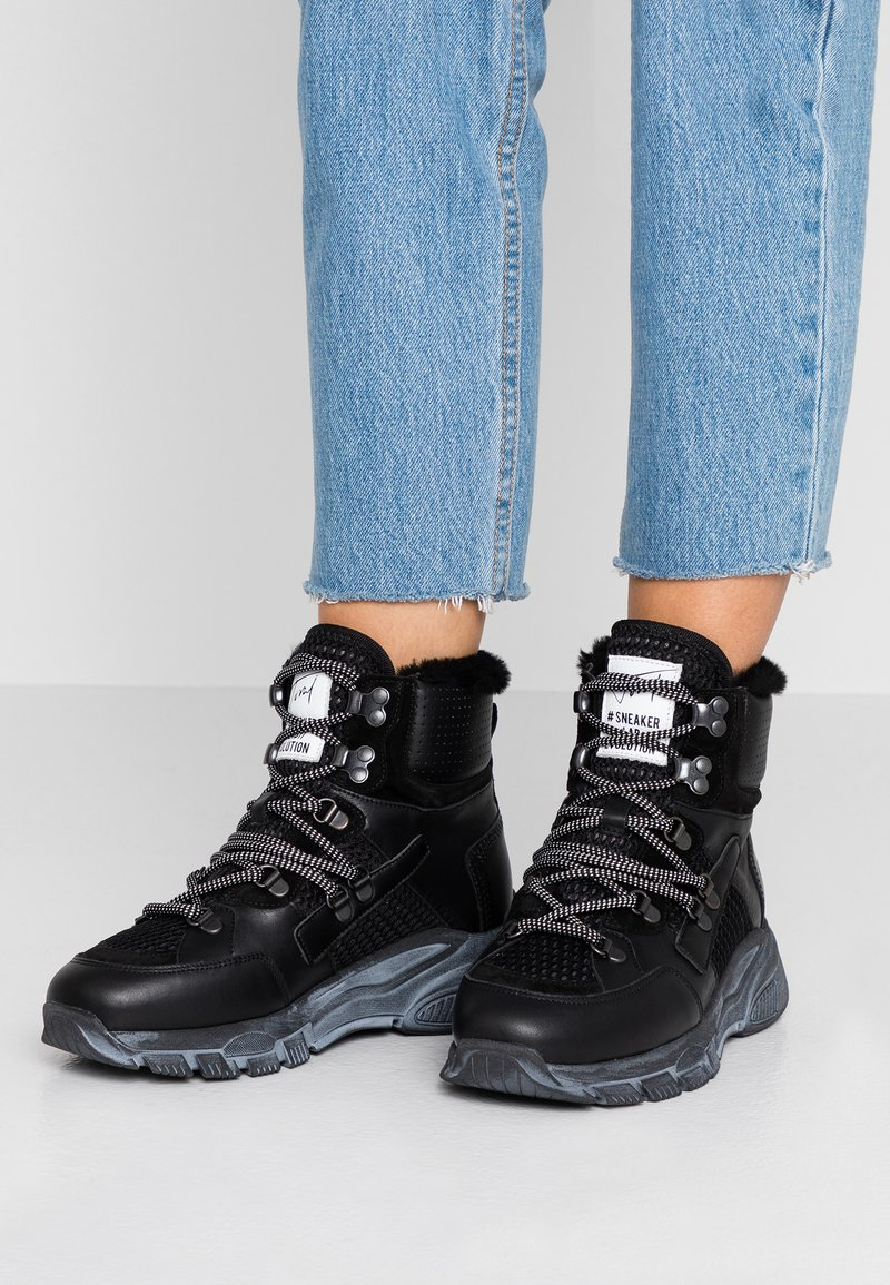 Toral - Ankle Boot - black