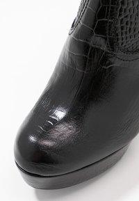 Toral - High Heel Stiefelette - black - 2