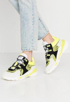 Sneakersy niskie - offwhite/kedira flour yellow/giusy blanco amarillo