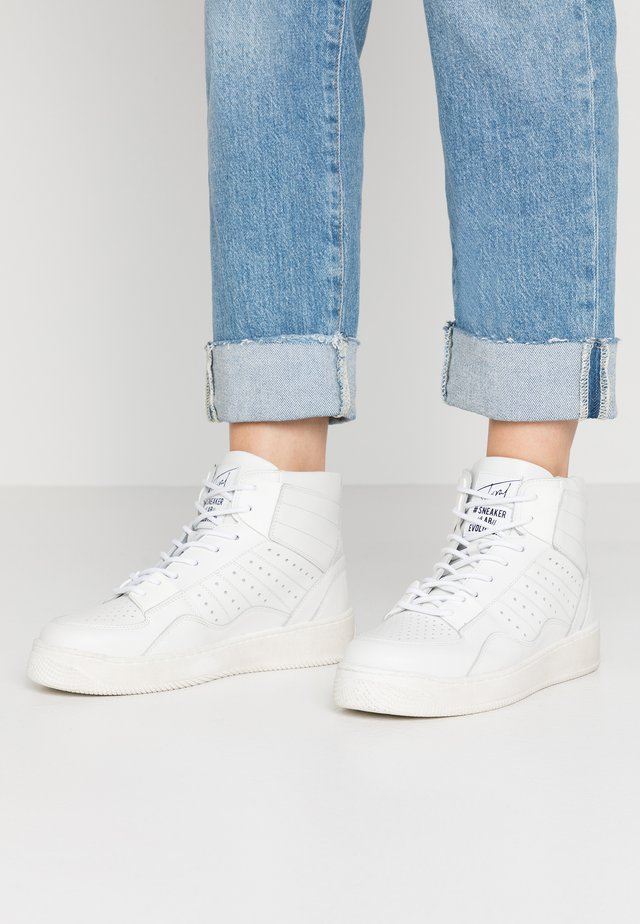 High-top trainers - gesso