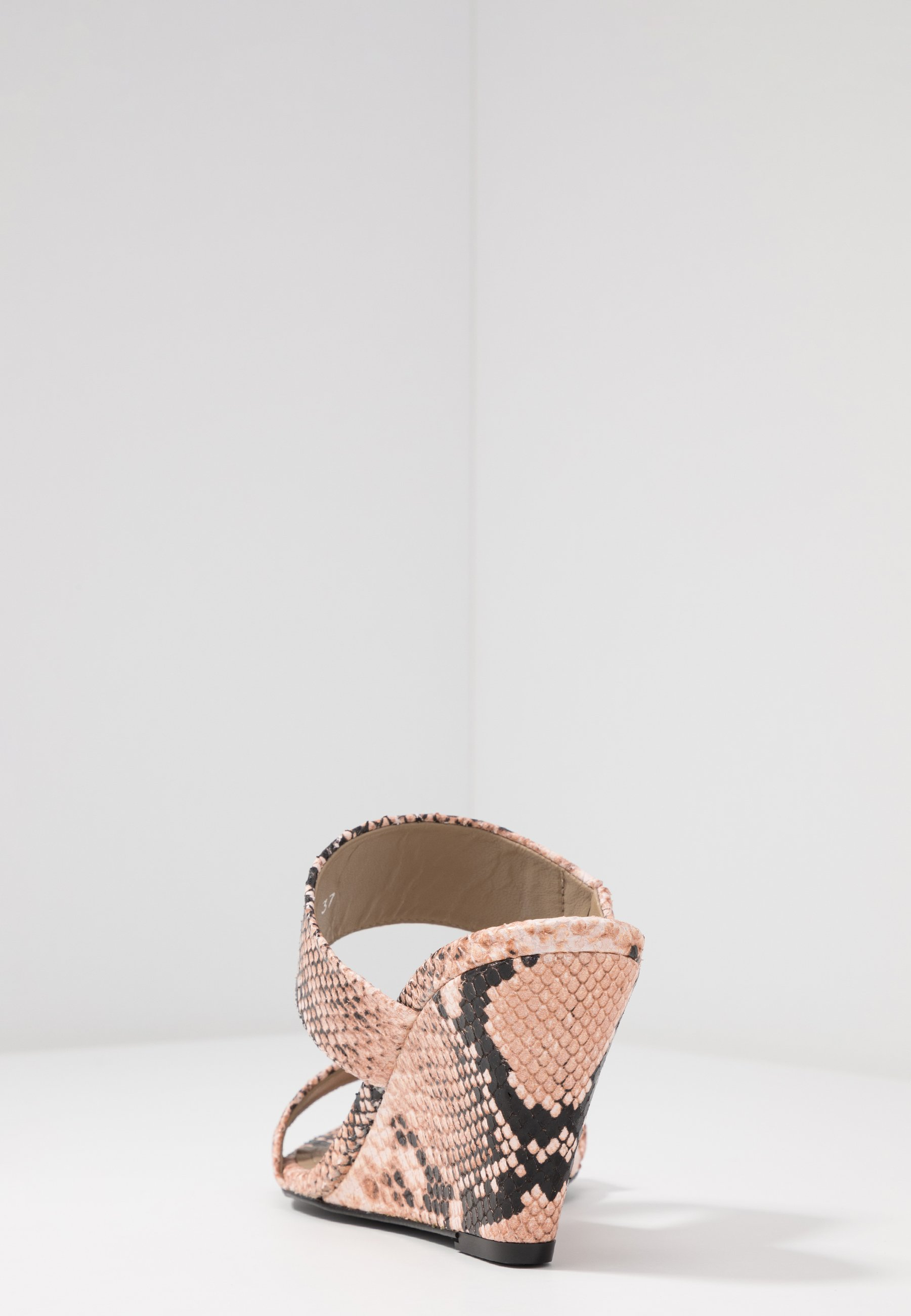 Toral Sandaler - Light Pink