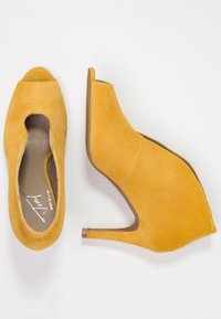 Toral - High heeled ankle boots - maya - 3
