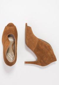 Toral - Kotníková obuv na vysokém podpatku - basket cognac - 3